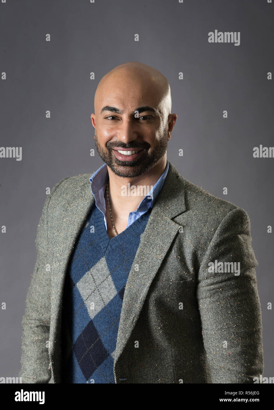 Hassan Sheheryar Yasin, noto semplicemente come H S Y, è un pakistano designer di moda. Egli è stato salutatorian del Pakistan scuola di design di moda. Immagini Stock