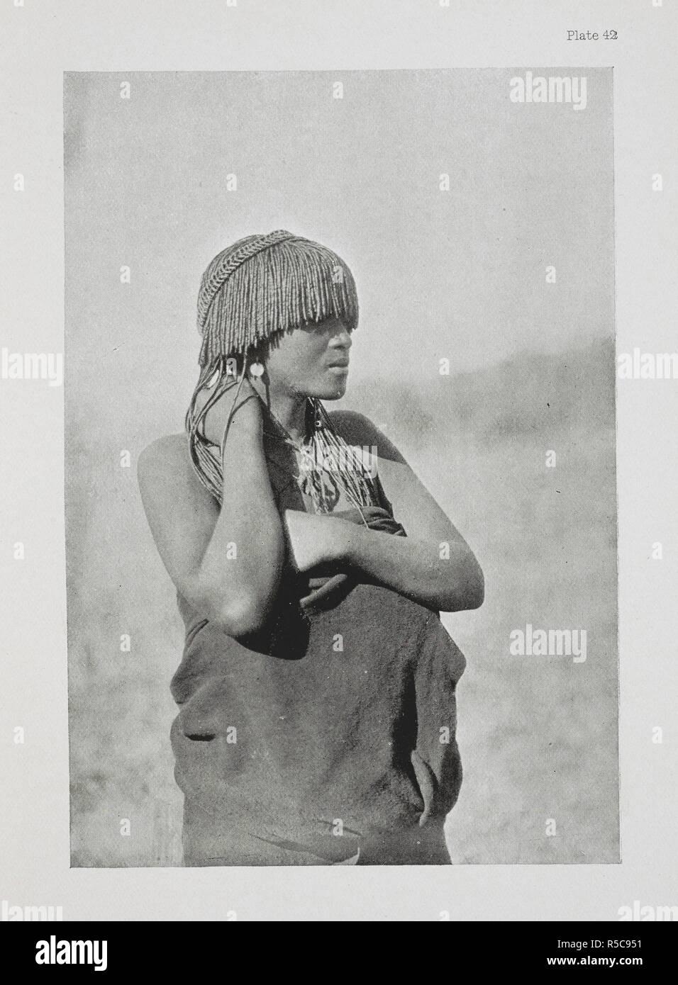 Una ragazza Pondo. L'essenziale Kafir ... Con un centinaio di full-page illustrazioni dall'autore. Londra : Adam & Charles Black, 1904. Fonte: 10096.h.20 la piastra 42. Autore: Kidd, Dudley. Immagini Stock