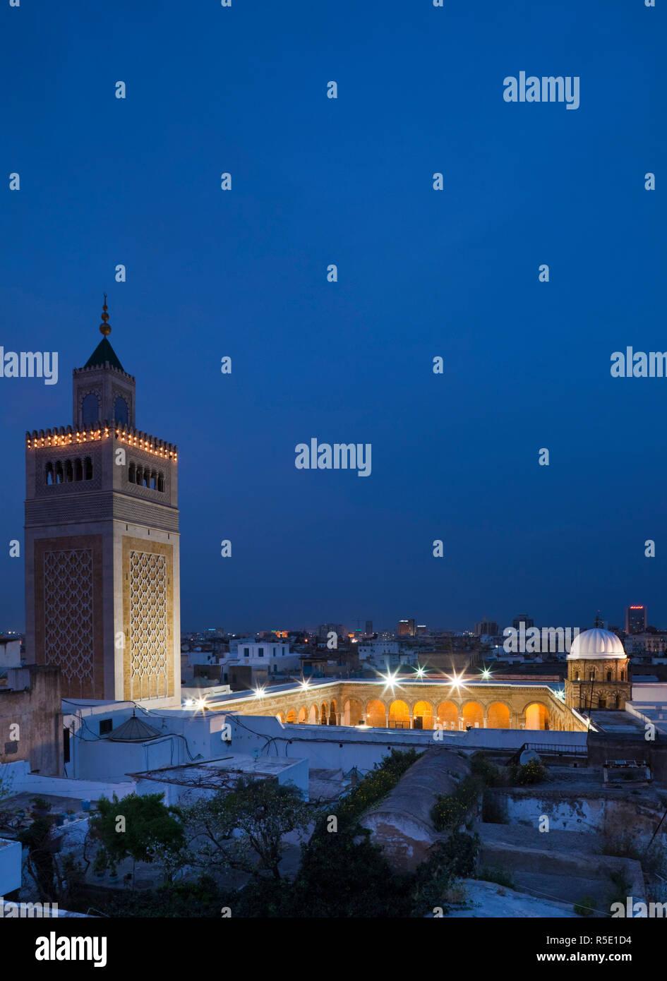 La Tunisia, Tunisi, Medina, Moschea Zaytouna-Great Immagini Stock