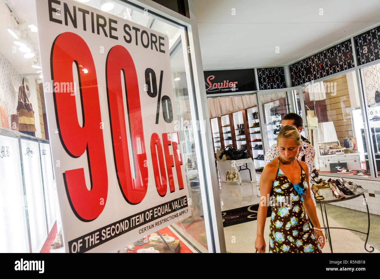 2e6781386200e Miami Beach Florida Lincoln Road Mall pedonale dello shopping business  negozio Calzature scarpe Cartello finestra affare