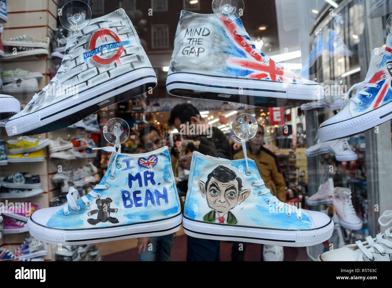 Converse Shoe Store Immagini e Fotos Stock Alamy