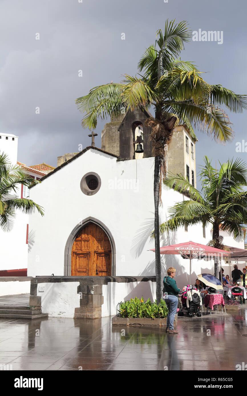 Il corpo Santo Cappella in Funchal dopo la pioggia Immagini Stock
