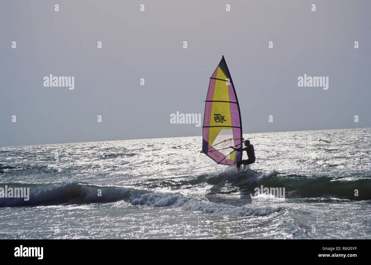 Wind Surf off Goa la costa Immagini Stock