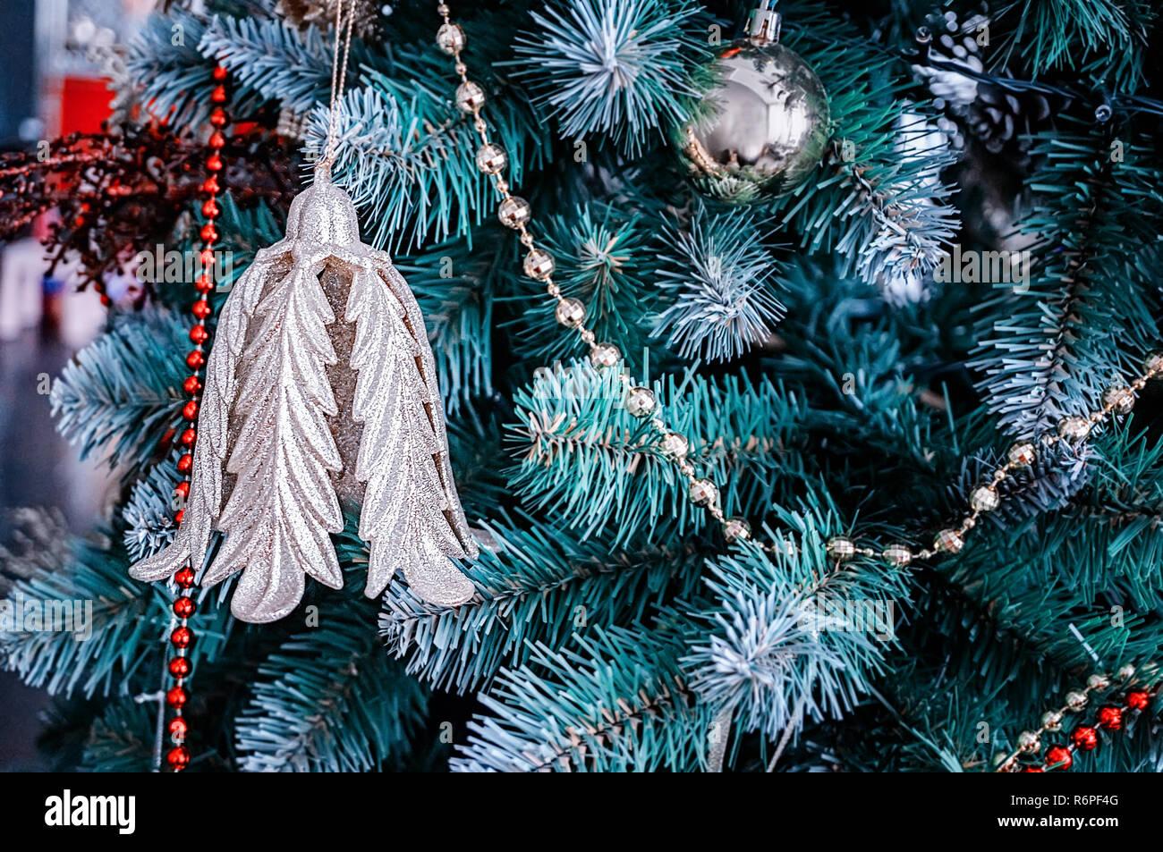 Foto Bellissime Di Alberi Di Natale.Bellissime Decorazioni Di Natale Appeso A Un Albero Di