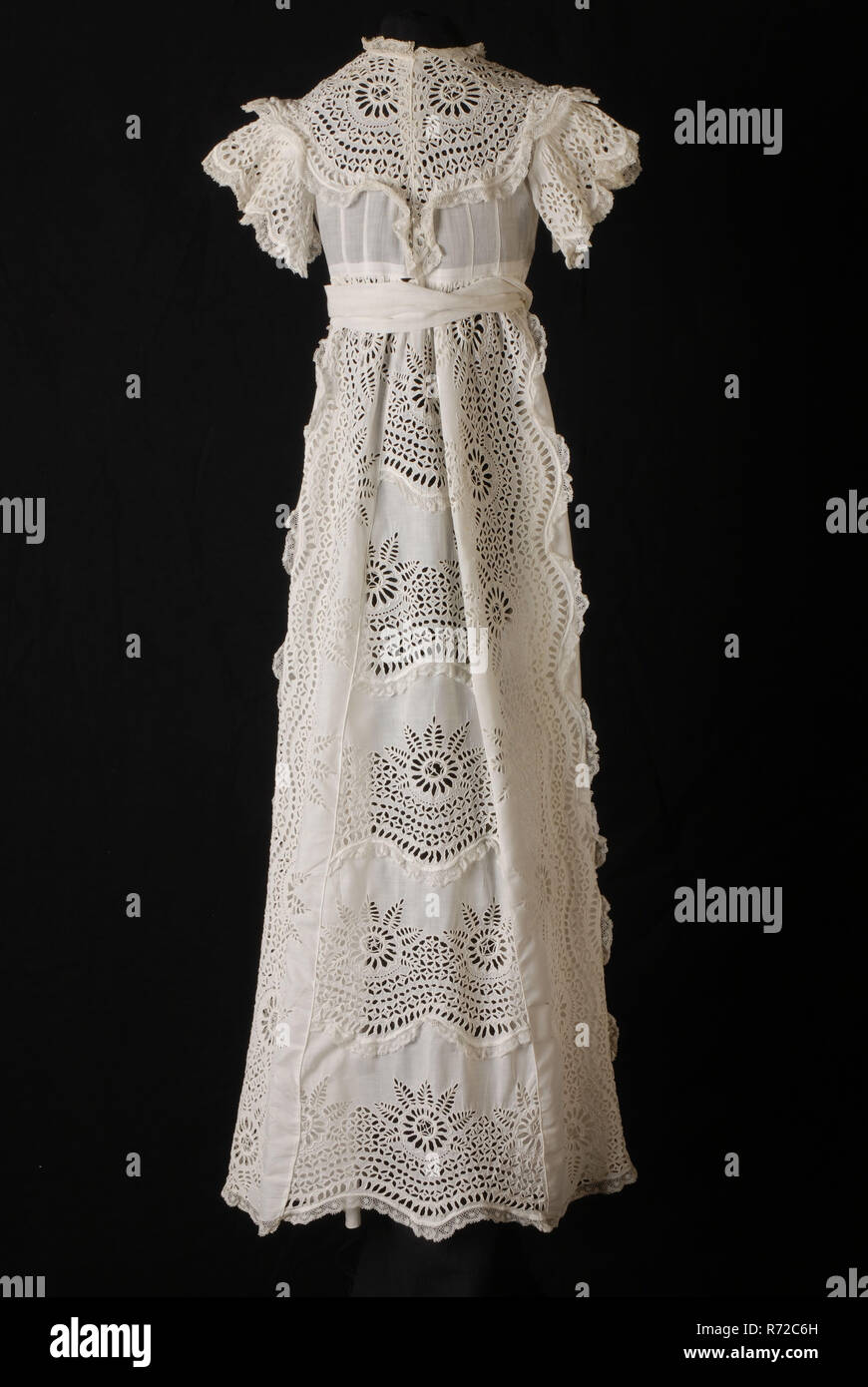 72dcad475863 Lunga vasta baby dress in cotone bianco