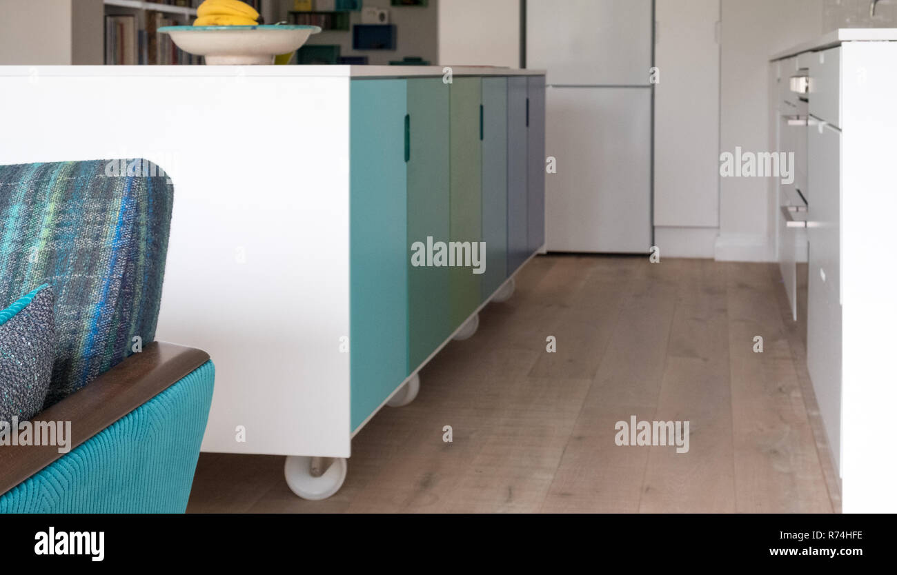 Cucina mobile isola industriale su ruote piroettanti, design retrò ...