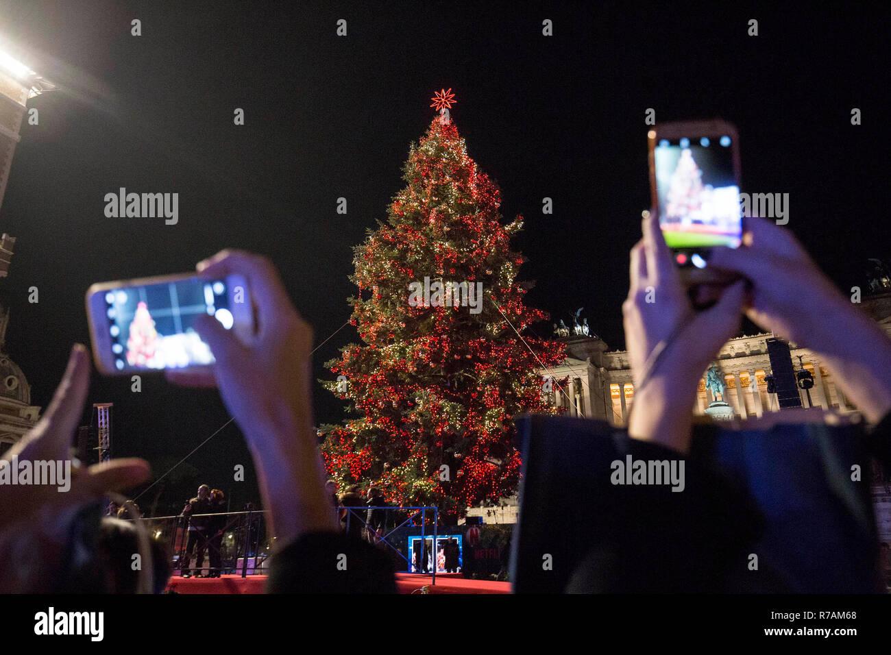 Albero Di Natale 8 Dicembre.Roma Italia 8 Dicembre 2018 Albero Di Natale Si Accende Credito