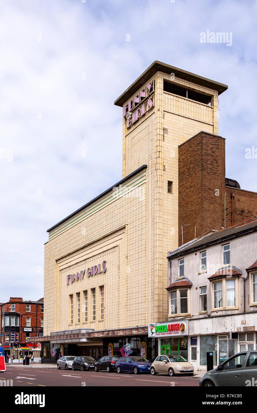 Ex cinema Odeon ora divertente ragazze Entertaiment in Blackpool Lancashire Regno Unito Immagini Stock