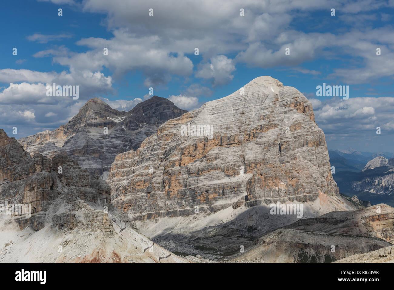 Le Tofane gruppo di montagna nelle Dolomiti, Italia Immagini Stock