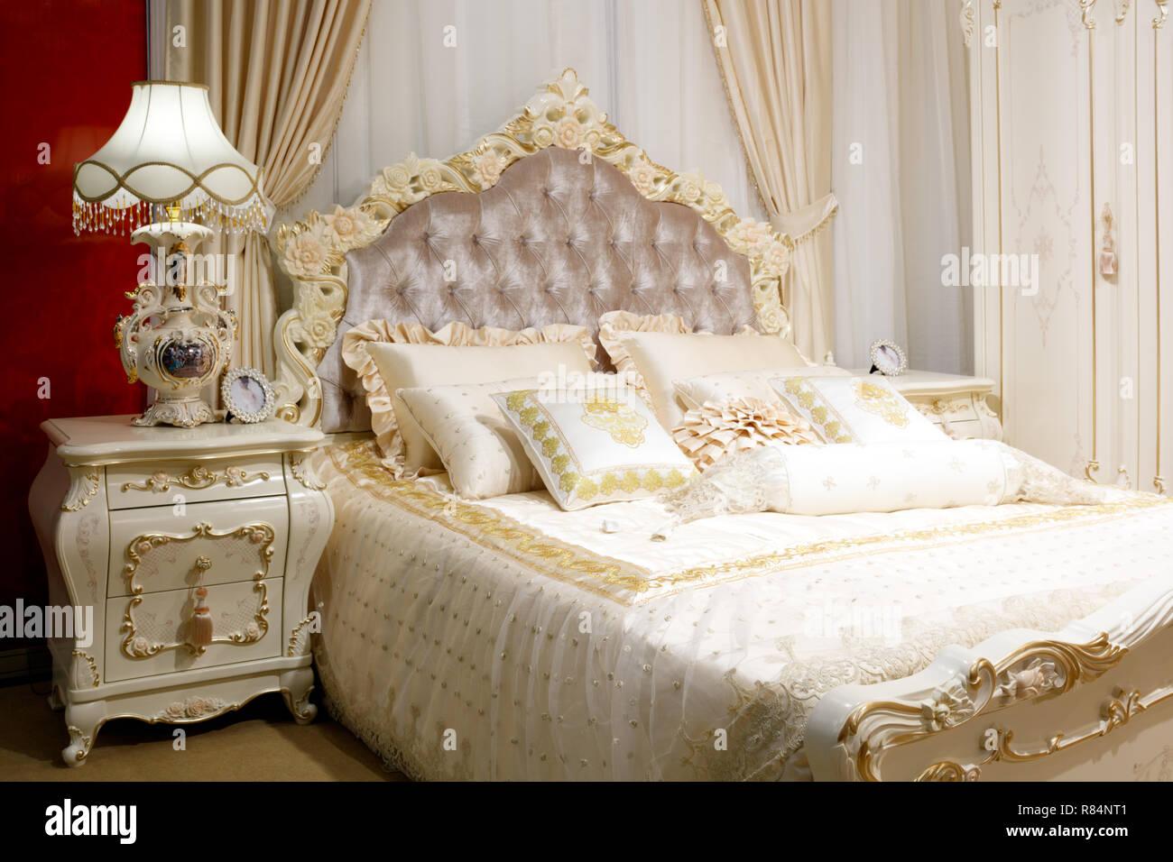 Camere Da Letto Rosa Dei Mobili : Mobili da camera da letto immagini mobili da camera da letto