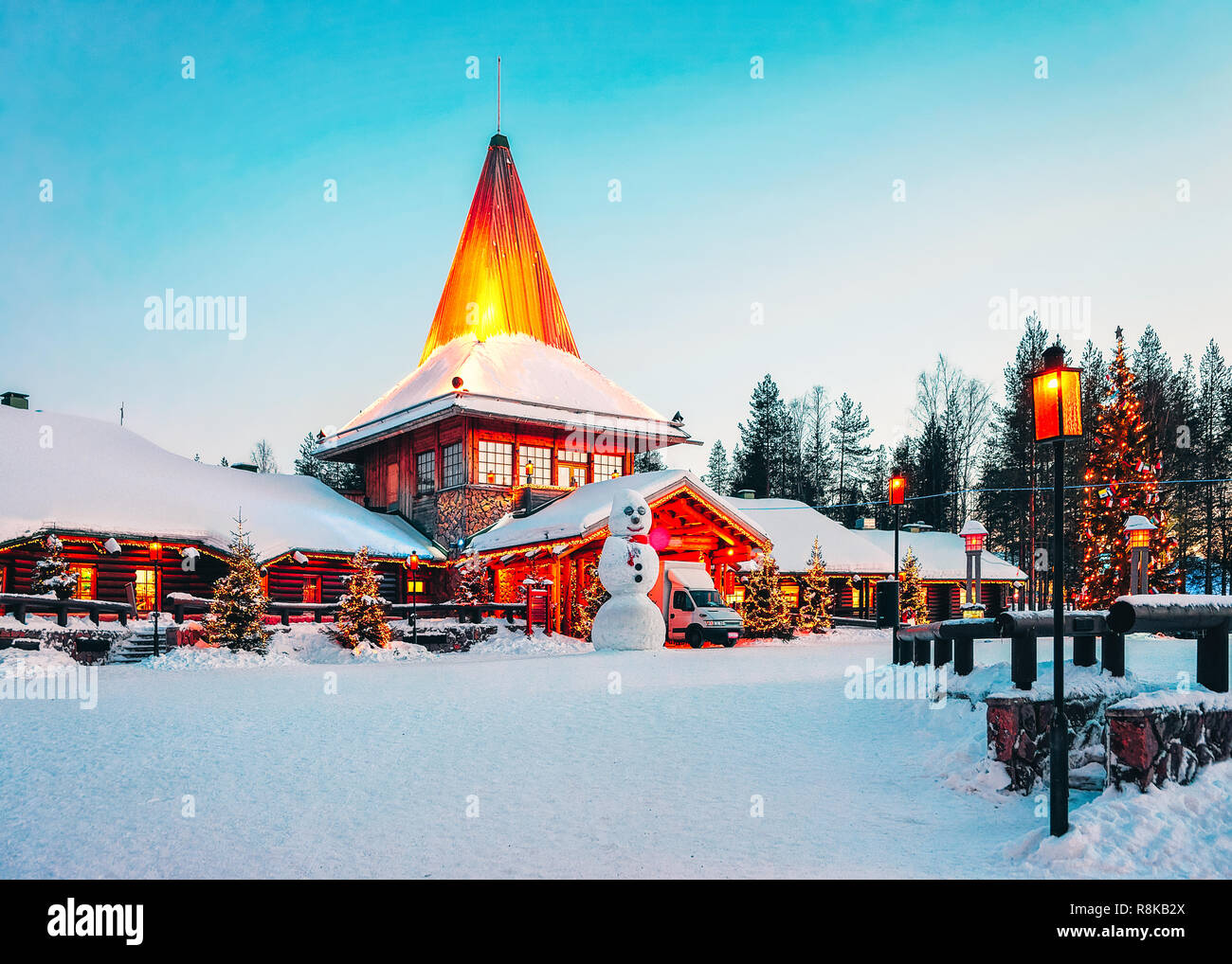 Immagini Del Villaggio Di Babbo Natale.Pupazzo Di Neve A Santa Ufficio Del Villaggio Di Babbo
