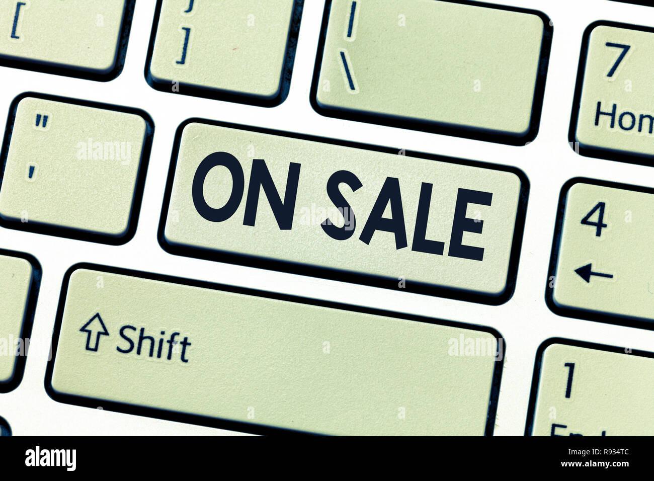 Conceptual la scrittura a mano che mostra in vendita