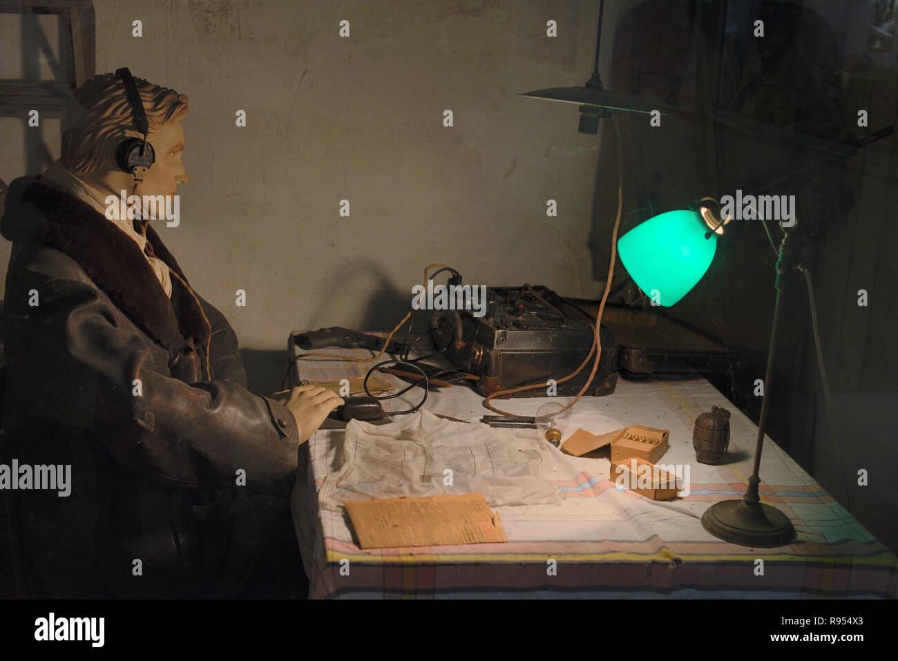 Ascolto militare Post o operatore Radio la ricostruzione nel Musée de la occhiello Castellane Provenza Francia Immagini Stock
