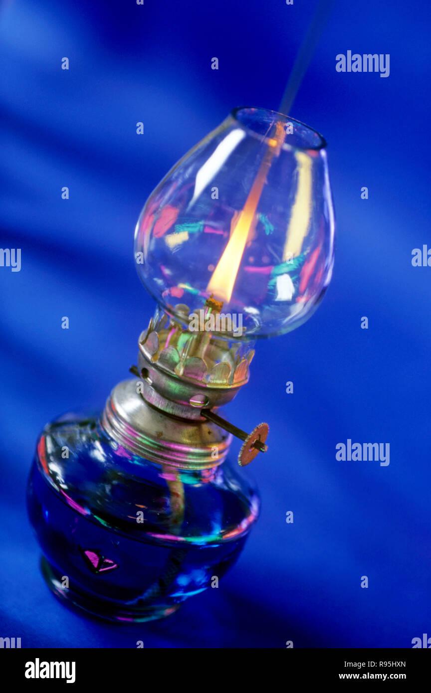 Concetto, lampada di kerosene Immagini Stock