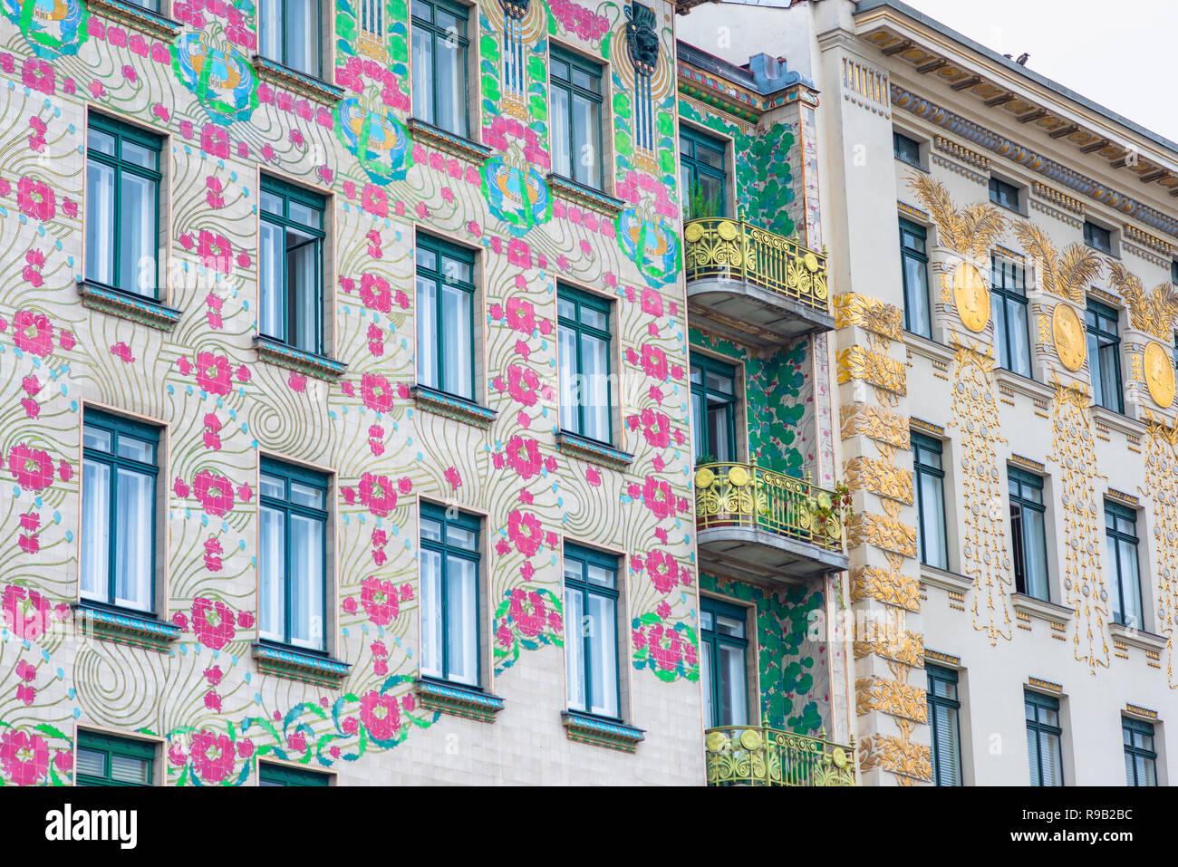 Art nouveau di Vienna, vista del Majolika-Haus (sinistra) e Otto Wagner Haus - entrambi i primi esempi di stile Liberty art-nouveau in architettura. Immagini Stock
