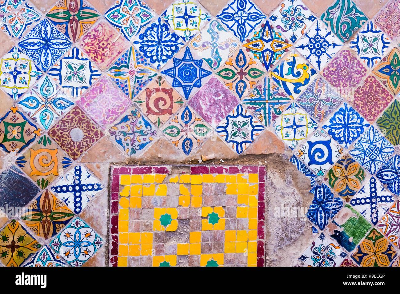 Fez morocco market pottery immagini & fez morocco market pottery