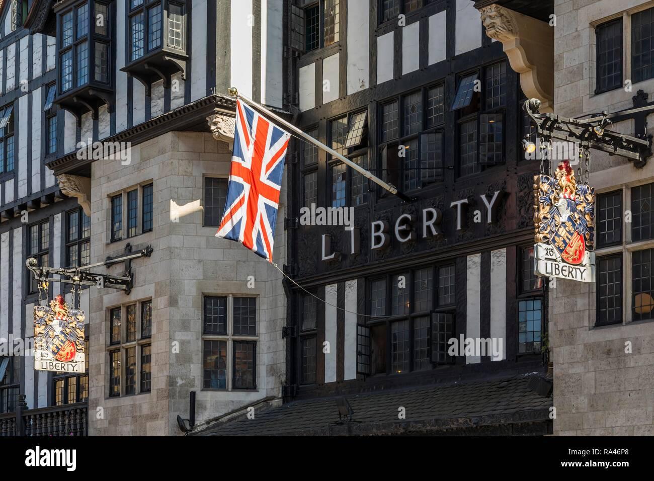 In stile Tudor Luxury department store Liberty, Regent Street, Londra, Gran Bretagna Immagini Stock