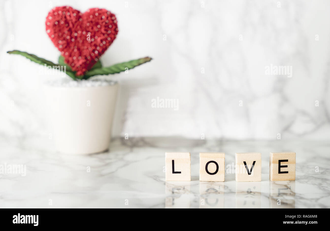 Red Heart On Marble Immagini Red Heart On Marble Fotos Stock Alamy