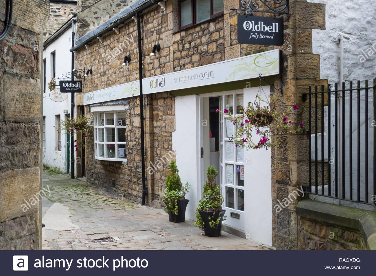 La vecchia campana , un tradizionale, indipendente cafe a ritroso vicolo, Lancaster, England, Regno Unito, tra Market Street e King Street. Immagini Stock