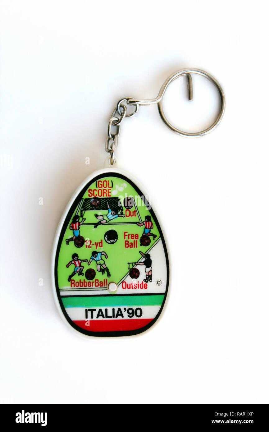 Italia 90 souvenir portachiavi gioco isolato su sfondo bianco Immagini Stock