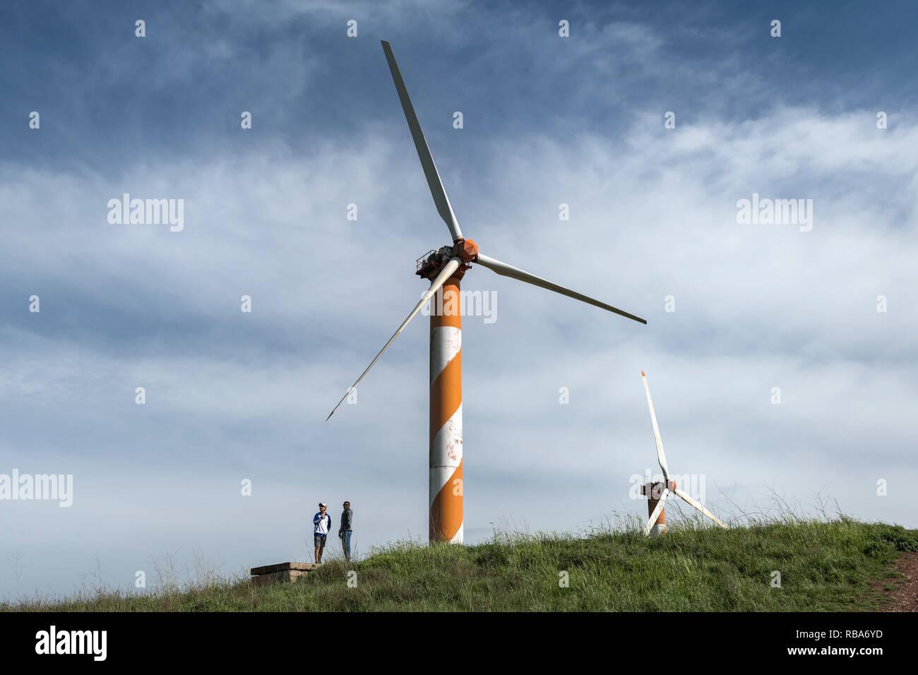 Bnei Rasan turbine eoliche vicino Kibbutz Ein Zivan nel Golan. Israele Immagini Stock