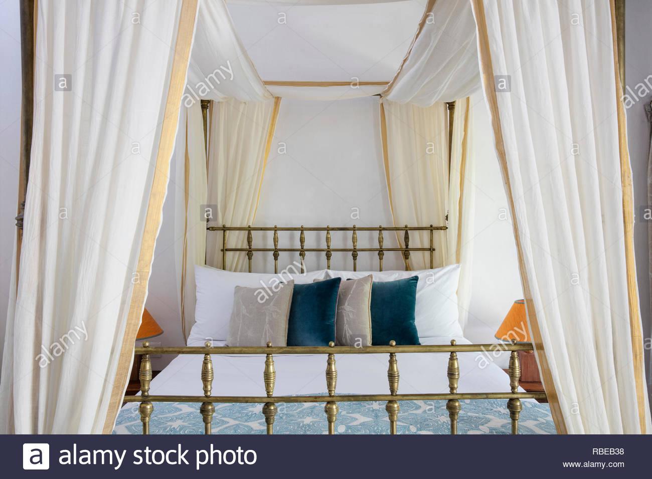 Romantico Letto A Baldacchino.Romantico Letto A Baldacchino Jalakara Villa Hotel Andaman E Isole