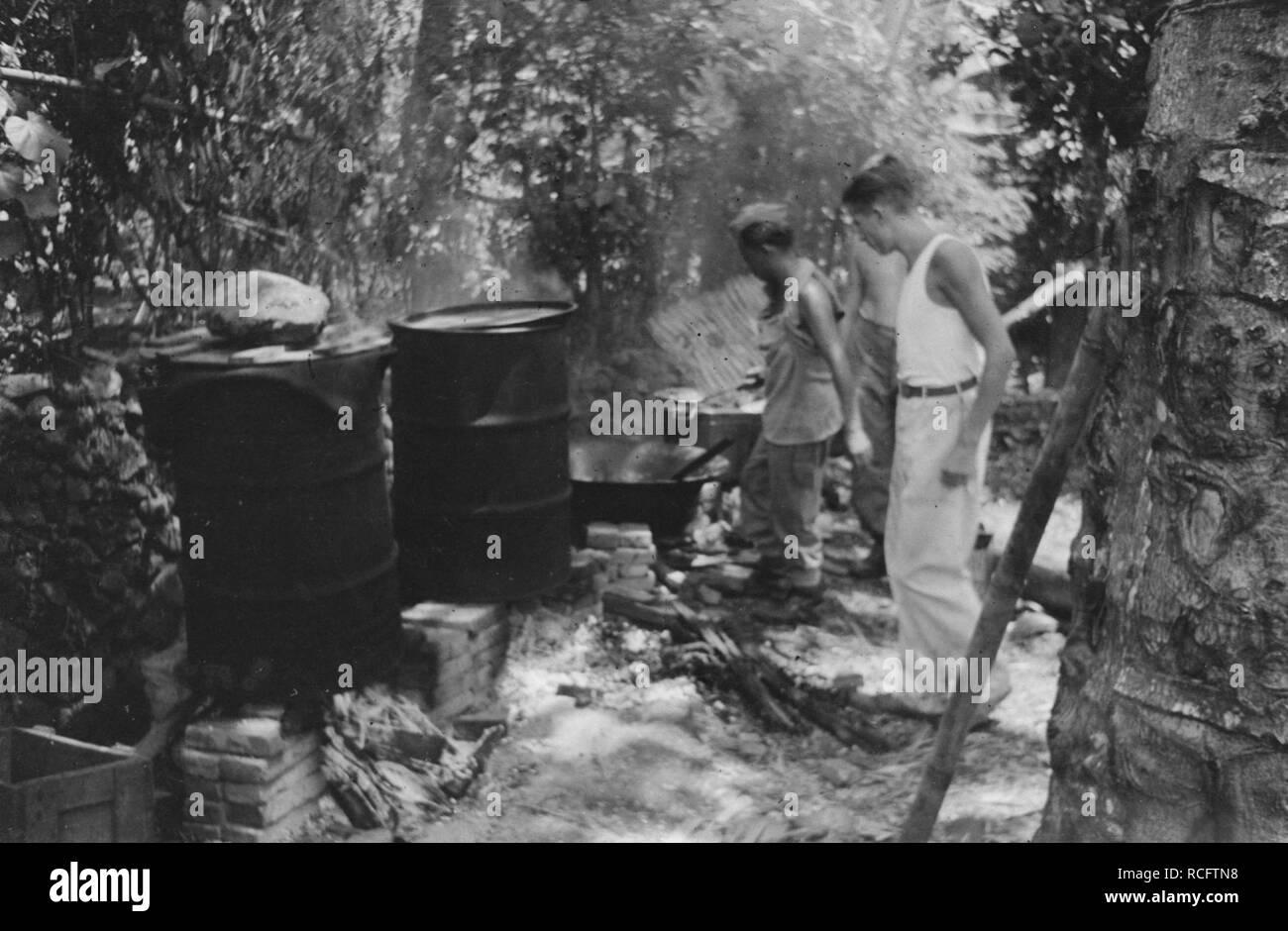 Al maakte ratti, kuch en bonen plaats voor rijst, Thee en sambal, de Nederlands, Bestanddeelnr 367-5-3. Foto Stock