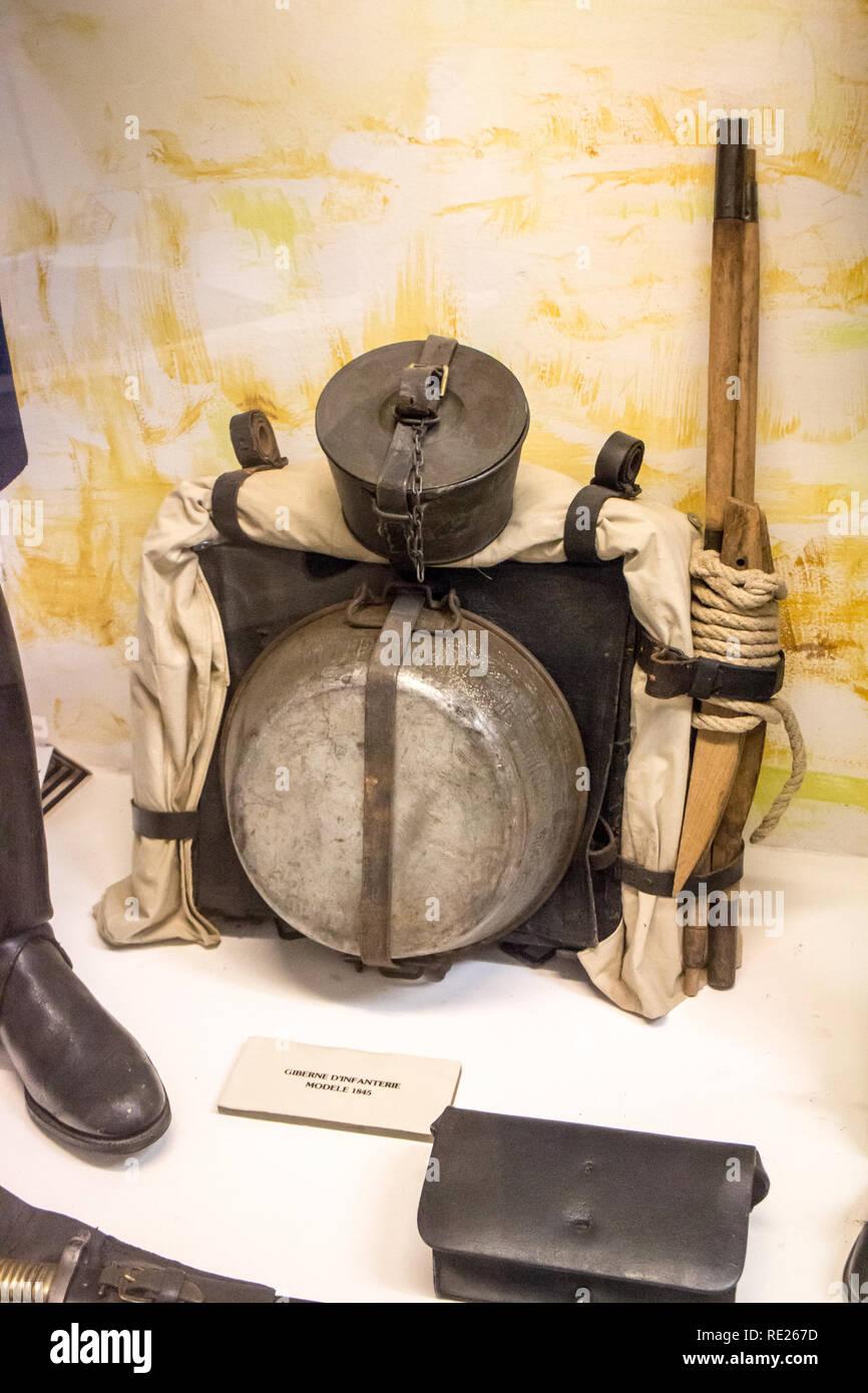 Istituzione des Invalides de la Legion Etrangère à Puyloubier : Fanteria custodia di cartuccia modello 1845 Immagini Stock