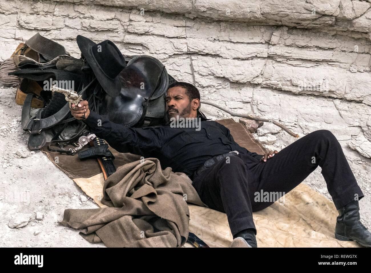 DENZEL WASHINGTON I MAGNIFICI SETTE (2016) Immagini Stock