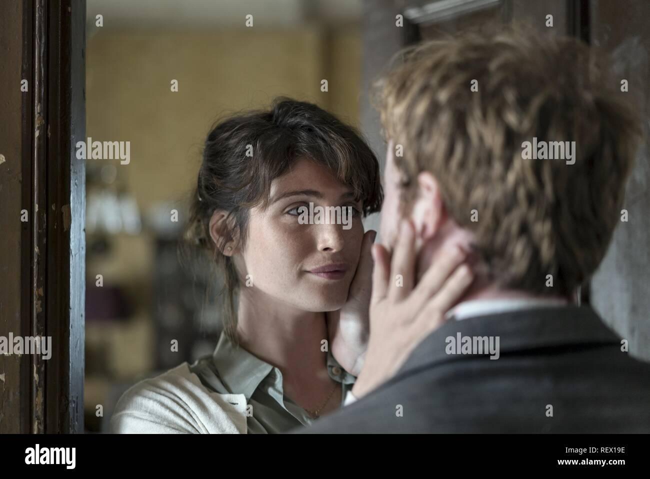 GEMMA ARTERTON la storia dell'amore (2016) Immagini Stock