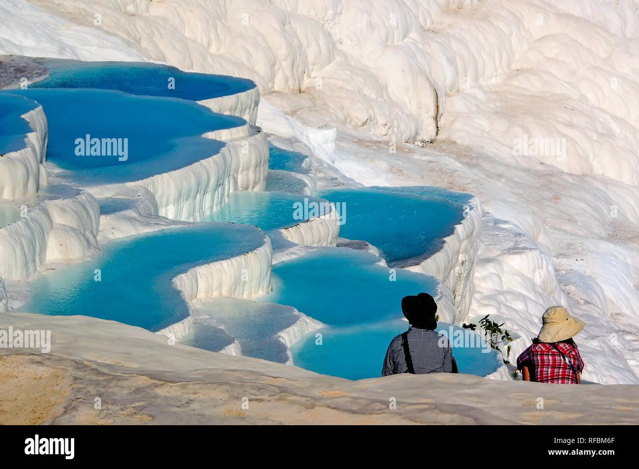 Hot Springs e travertini terrazza, Pamukkale acque termali. Provincia di Denizli, Anatolia. Turchia Immagini Stock