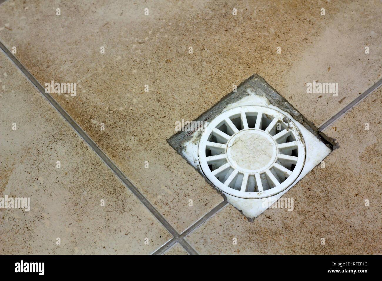 Scarico acqua di sfiato in cucina bagno o nel seminterrato con