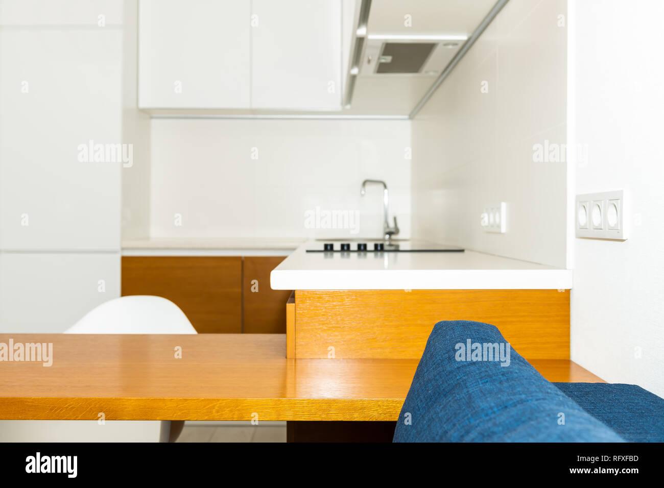 Mobili Da Cucina Arancione.Moderne In Legno Marrone Arancione Mobili Da Cucina Nel