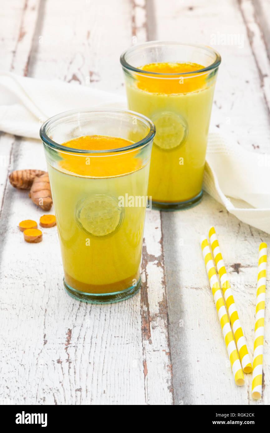 Curcuma latte, latte con curcuma Immagini Stock