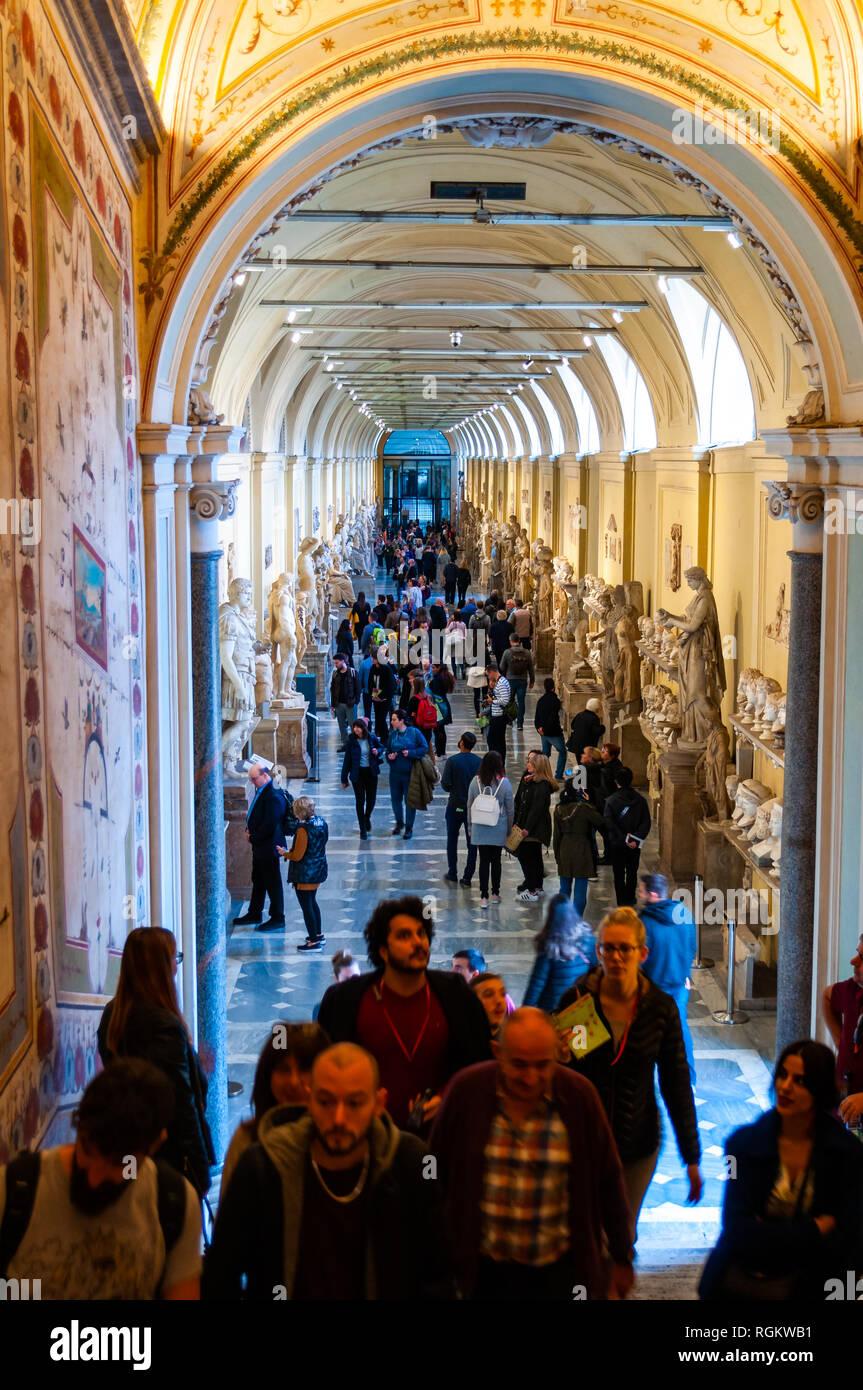 Design Degli Interni Roma vaticano, roma, italia - 16 novembre 2018: il corridoio del