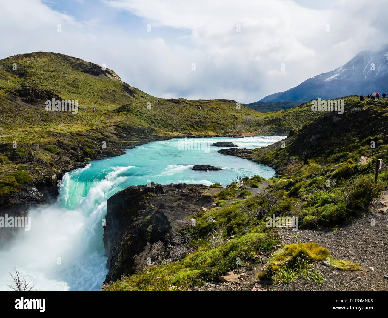 Sud America, Cile, Patagonia, vista di Rio Paine, Parco Nazionale Torres del Paine, Cascata Salto Grande Immagini Stock
