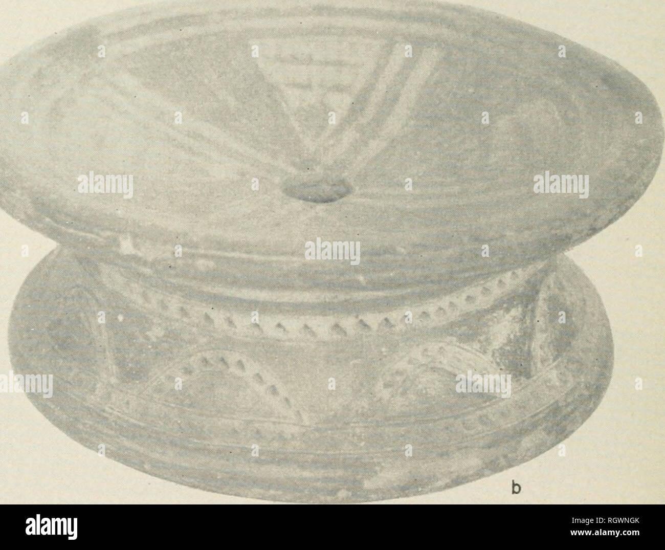 Bollettino. etnologia. ceramiche dipinte sgabelli. ^ fase marajoara