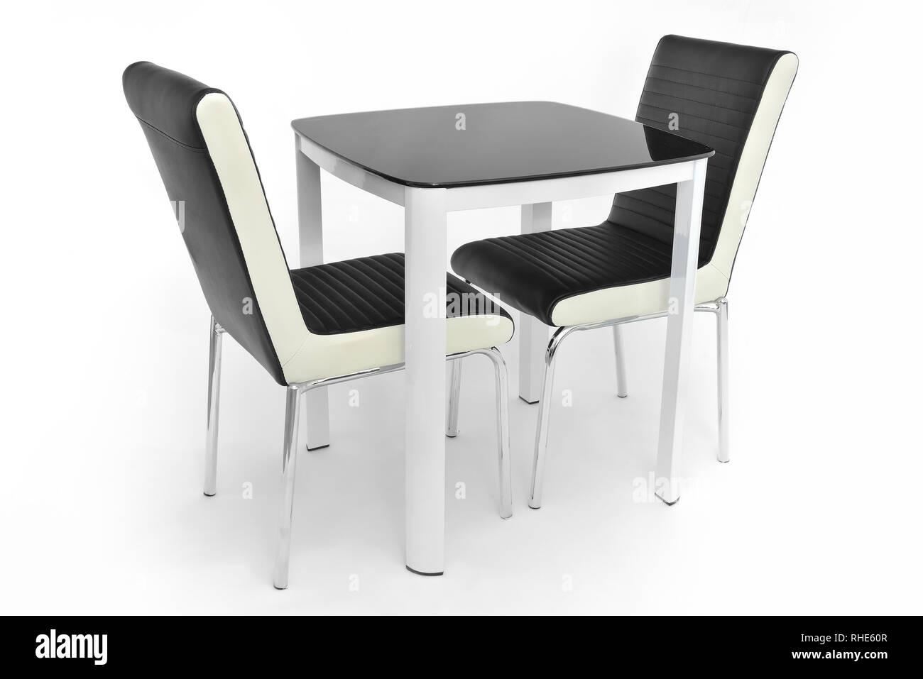 Cucina mobili da pranzo set di tavolo e due sedie. Moderne ...