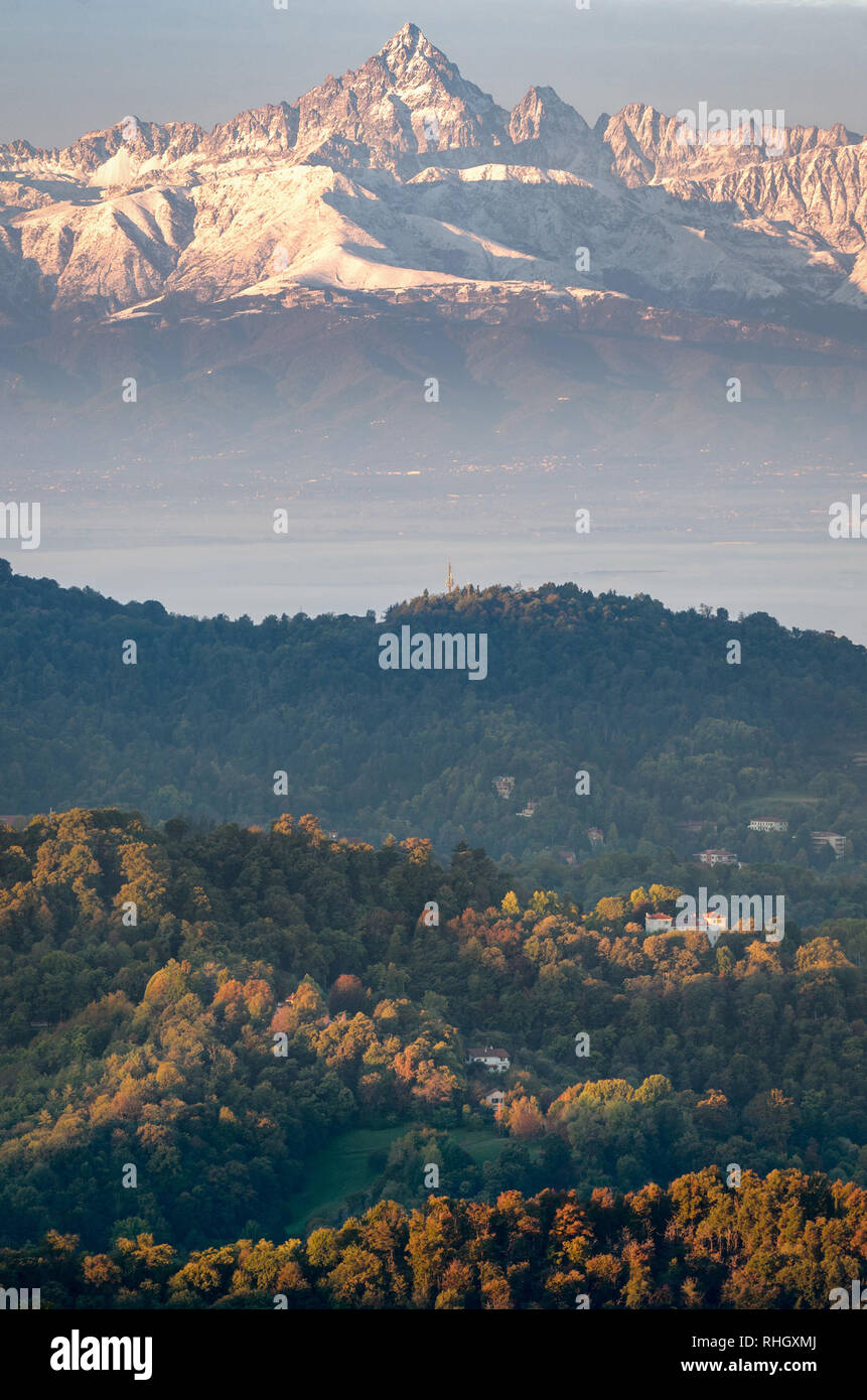 Torino vista panoramica sul Monviso al sunrise Foto Stock