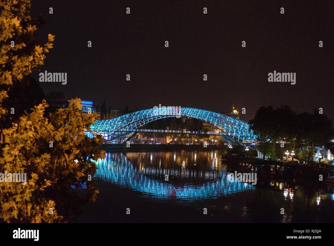 Brücke a Tiflis, der Hauptstadt von Georgien Immagini Stock