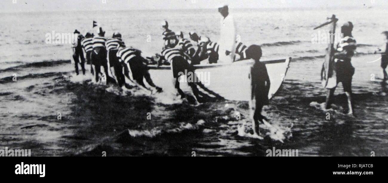 Haganah membri del dolphin club sport pratica con piccole imbarcazioni in Palestina 1937 Immagini Stock