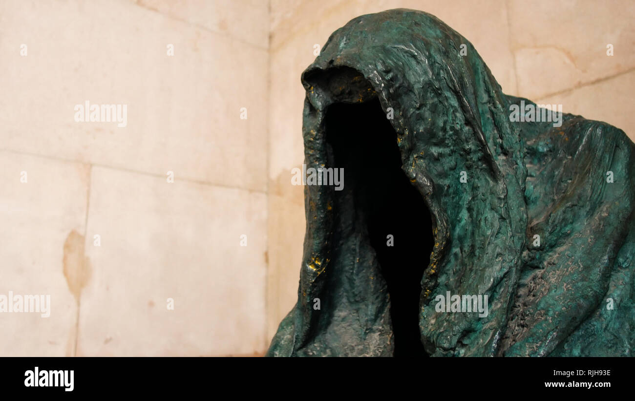 Die Pieta - una scultura di Anna Chromy 1999 , Salzburg, Austria Immagini Stock