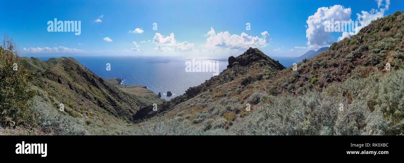 Vista mare Isola di Lipari - Italia Immagini Stock