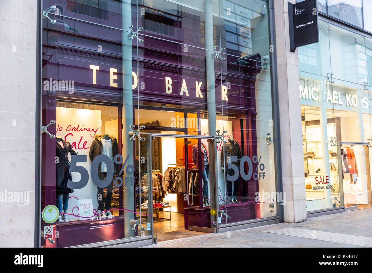7ef385049f Ted Baker e Michael Kors negozi e vetrine nella nuova Cattedrale Street,il  centro città
