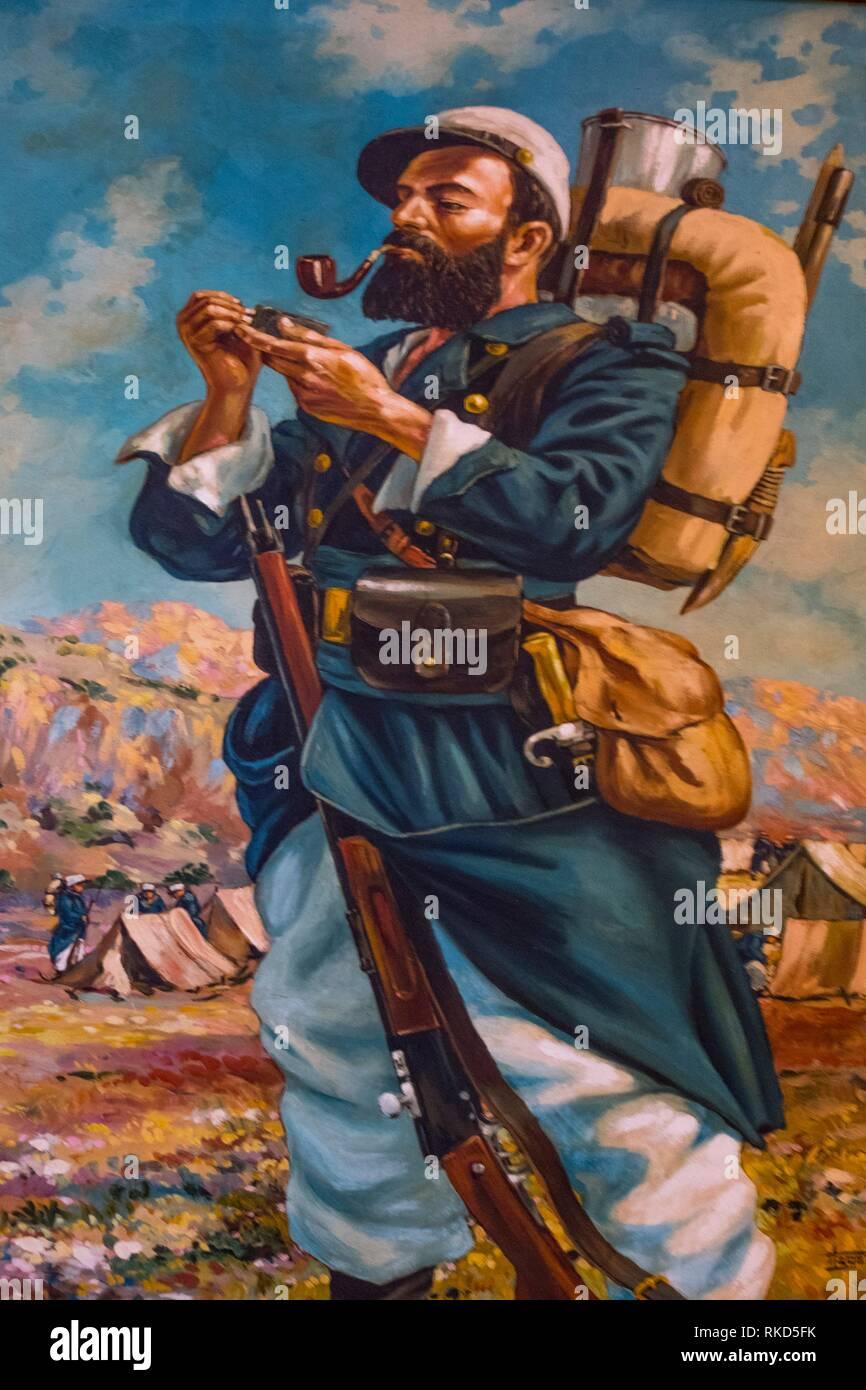 """Francia, Nouvelle Aquitaine, Dordogne, ''Musée du tabac """" (il museo del tabacco), un Bergerac: Soldato fumare la pipa, nei primi anni del XX secolo Immagini Stock"""