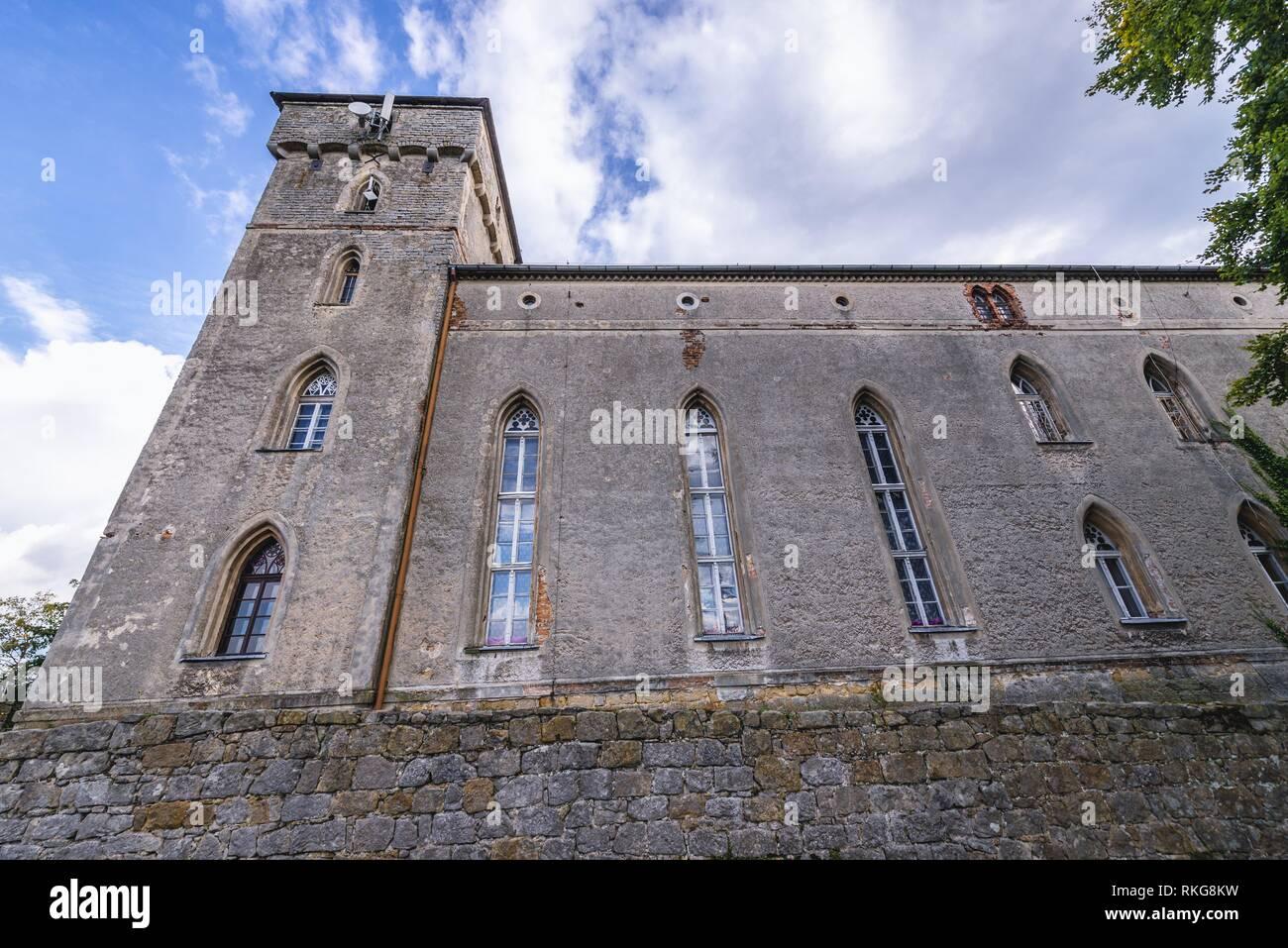 Esterno del Lesna Skala Castello (foresta castello di roccia), attualmente il benessere sociale Home in città Szczytna, Bassa Slesia voivodato di Polonia. Immagini Stock