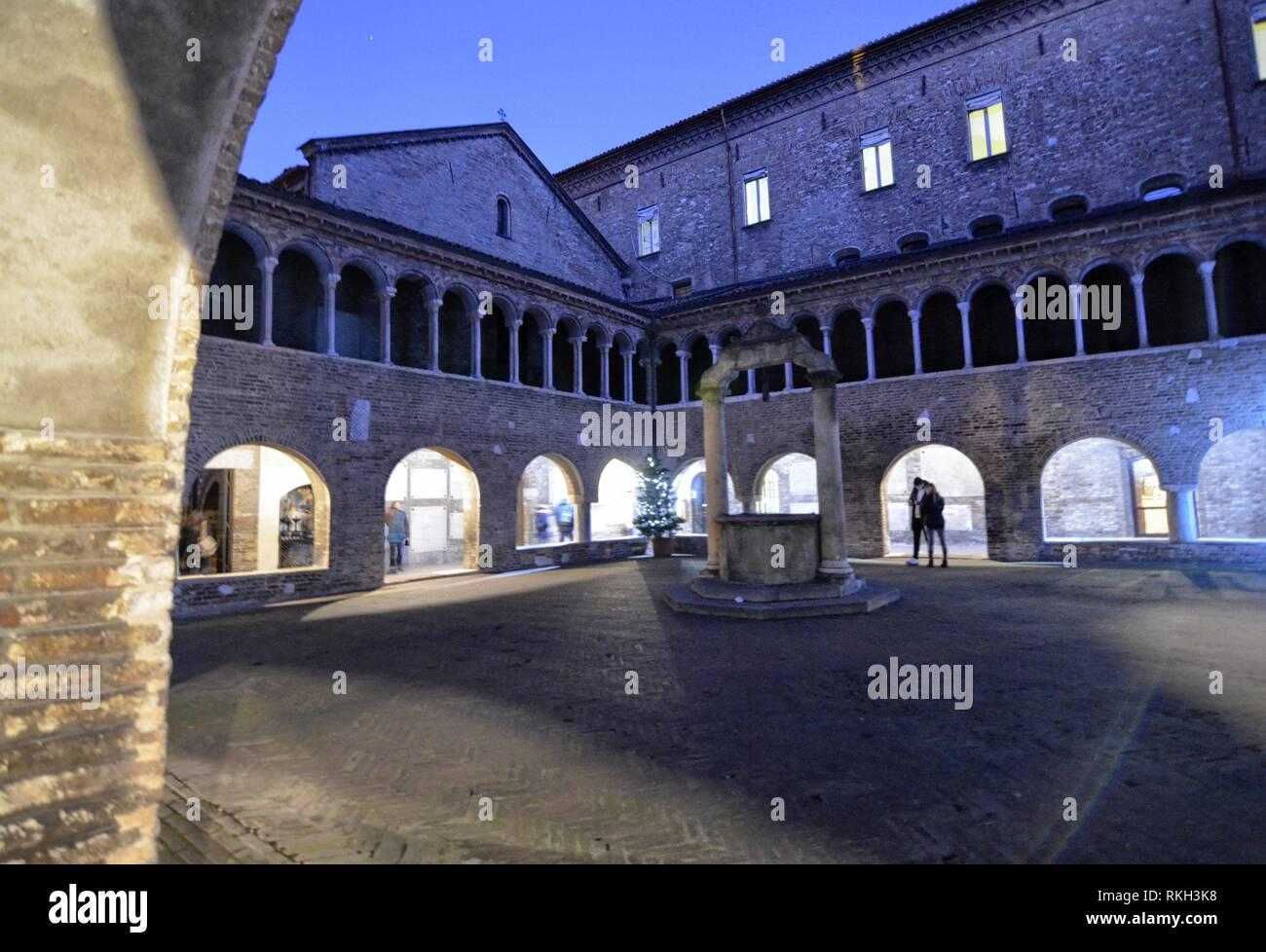 Bologna, Emilia Romagna, Italia. Dicembre 2018. La Basilica di Santo Stefano è un complesso di edifici religiosi chiamati sette chiese. Nella foto il Immagini Stock