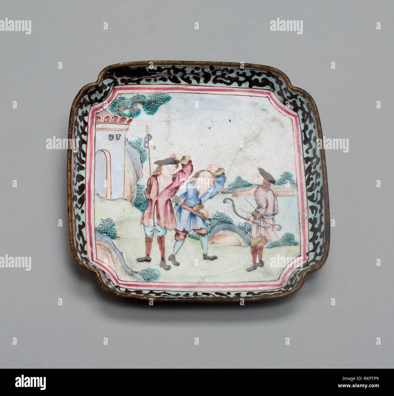 Vassoio - 1730/70 - Cina - Origine: Cina, data: 1730-1770, media: smalti policromi su rame, dimensioni: 1,3 × 10,2 × 10,2 cm (1/2 × 4 × 4). Immagini Stock