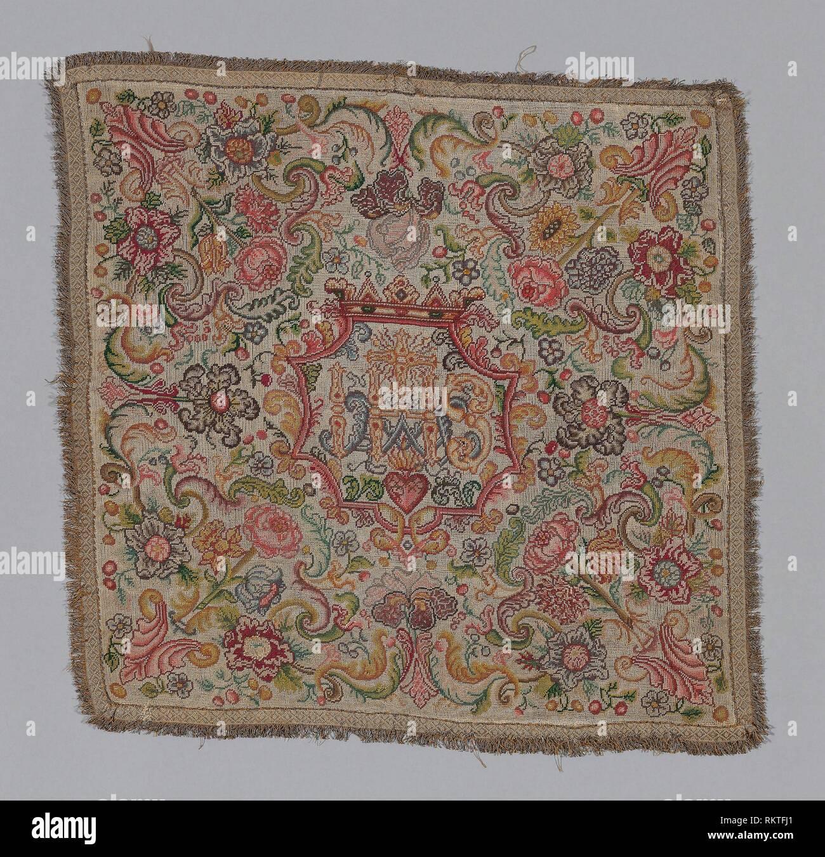 Coperchio del calice - XIX secolo - Francia - Provenienza: Francia, Data: 1801-1900, dimensioni: 54,7 × 55,2 cm (21 1/2 × 21 3/4 in.) Immagini Stock