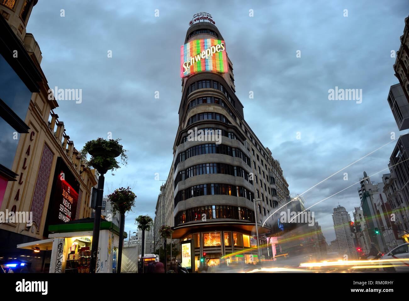Edificio in Gran Via, Madrid, Spagna. Immagini Stock